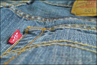 After signing a lease contract and paying 20 euros, the renter wears the jeans for 5 euros a month and after a year, he can either pay off the jeans or return them for another pair. Credit: bburky via Flickr