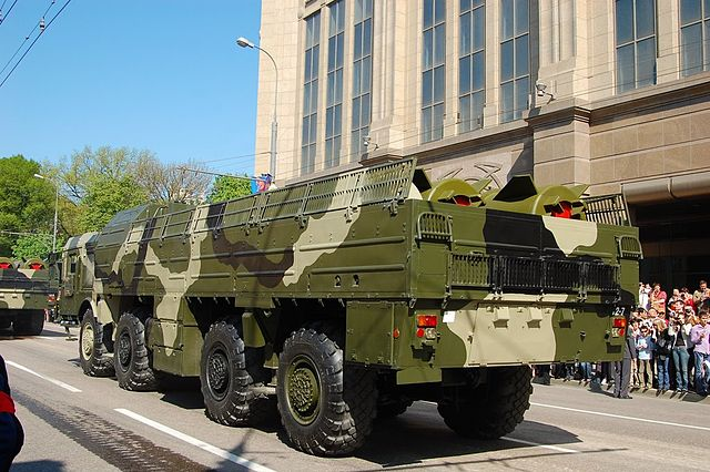The transport and loading vehicle of a Russian Iskander-M mobile theater ballistic missile system, May 2009 / Wikimedia Commons