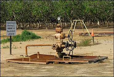 Natural gas well / Image: Wikimedia Commons
