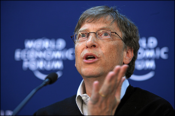 Gates speaks at 2008 World Economic Forum / Photo by Andy Mettler