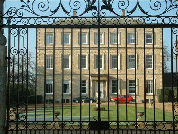Newington Mansion. Photo: Colin Bates, via Wikimedia Commons