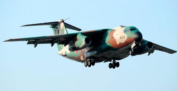 A Japanese Air Self-Defence Force Kawasaki C-1.  Credit:  Toshiro Aoki / Flickr