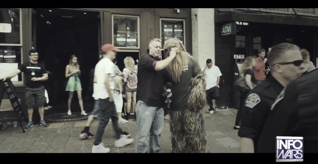 Chewbacca Smokes Pot In Front of Cops at SXSW