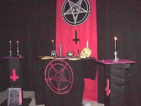 Satanic-themed Ice Cream Shop Trashes Jesus in Bizarre Marketing Scheme