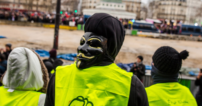 """Outrage As France Targets """"Yellow Vest"""" Movement With Bill Banning Masks"""