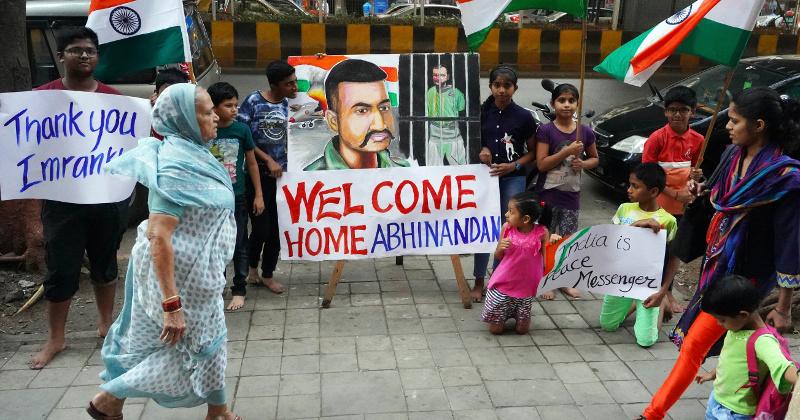 Pakistan Prepares to Return Indian Pilot as Confrontation Cools