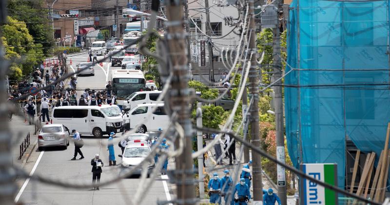 Man Stabs 16 Schoolgirls, 2 Adults in Rampage Near Tokyo