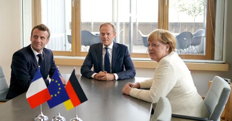 Merkel, Macron at Center of Budding EU Power Struggle