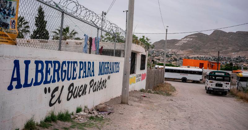 Reeling From Tariff Threat, Mexico Begins Immigration Talks in Washington
