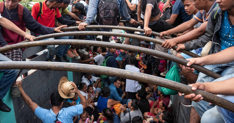 Mexico Rounds Up 800 Migrants Near Guatemala Border