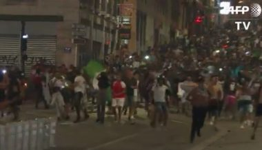 Algerian Soccer Fans in Paris & London Riot Again After Victory