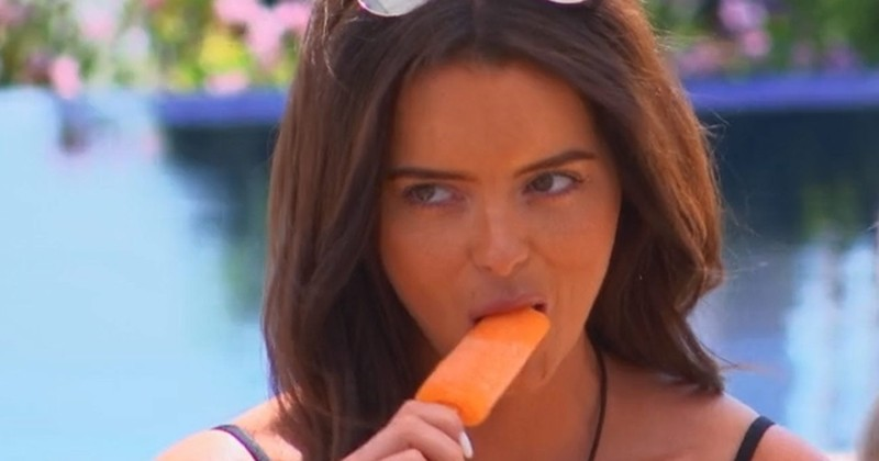 Doctors in UK Forced to Tell Women Not to Put Ice Lollies in Their Vaginas to Cool Down