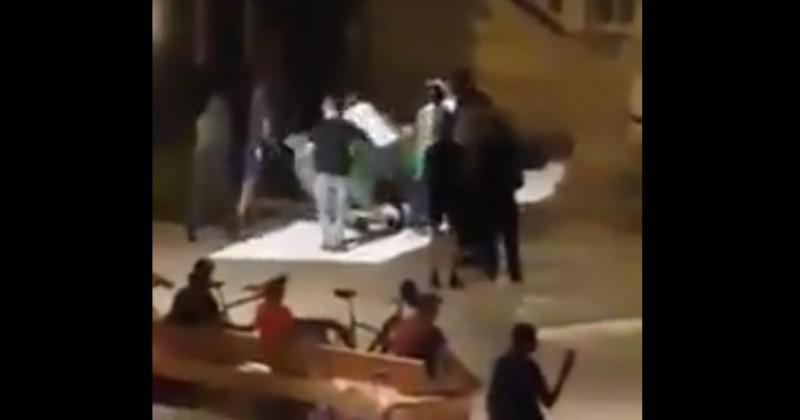Video: Algerians Tear Down Statue of General de Gaulle in France
