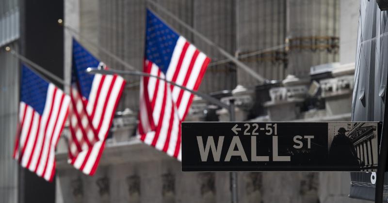 Dow Breaks 27,000