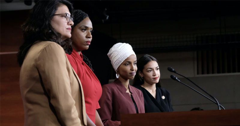 Trump Doubles Down, Says Far-Left Congresswomen 'Should Apologize to America'