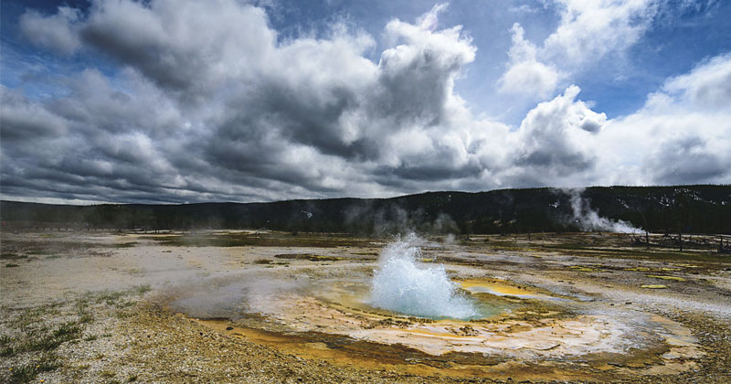 Scientists Warn California Earthquake Could Trigger Yellowstone Supervolcano