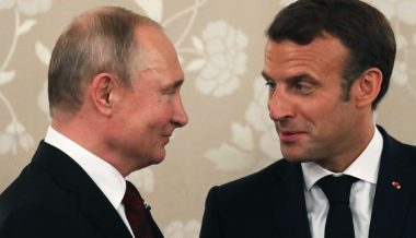 Macron lectures Putin on 'right to protest' amid own crackdown on Yellow Vests