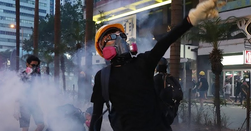Hong Kong Government Considering Internet Ban to Stop Protests
