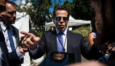 """Scaramucci Claims """"POTUS Is Lost"""" – Calls For Trump's Replacement"""