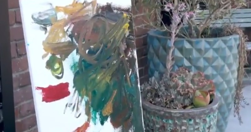 Video: Los Angelenos Can't Tell if Paintings Were Done by Artist or 2-Year-Old
