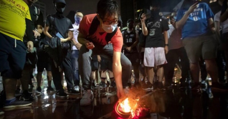Hong Kong Protesters Trample, Burn Jersey of NBA star LeBron James