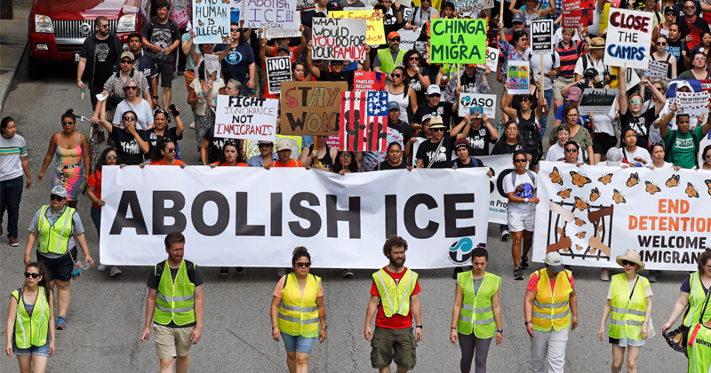 'Worst Sanctuary City In America': Trump Rips Chicago For Refusing To Cooperate With ICE