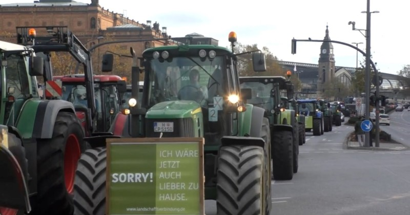German Farmers Block Hamburg in Revolt Against Globalist Environmental Regulations
