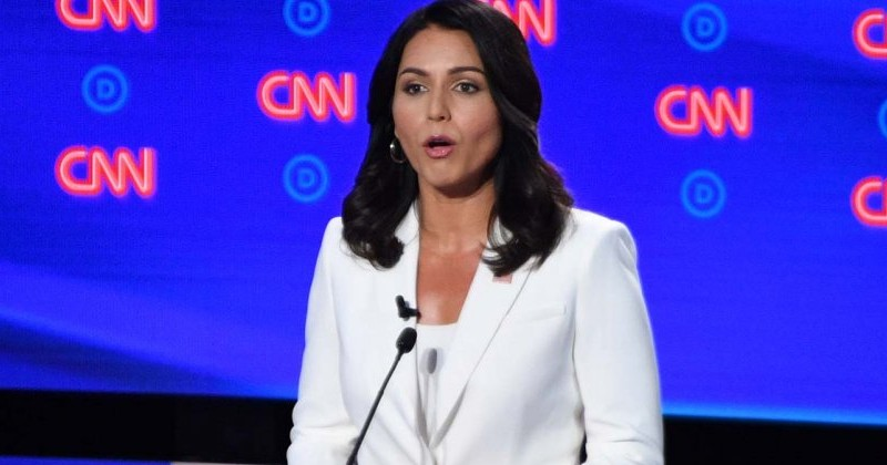 "NY Times Writer Who Praised Hillary's White Pantsuit Calls Tulsi Gabbard ""Cult Leader"" For Wearing Same Thing"