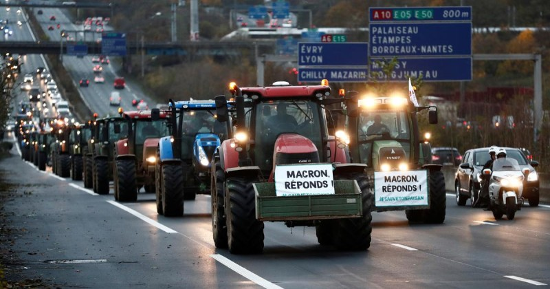 French Farmers Descend on Paris in Fresh Revolt Against Globalist Regulations
