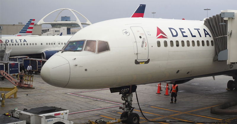 Delta to Show Unedited Gay Sex Scenes on In-Flight Films After Celebrity Outcry