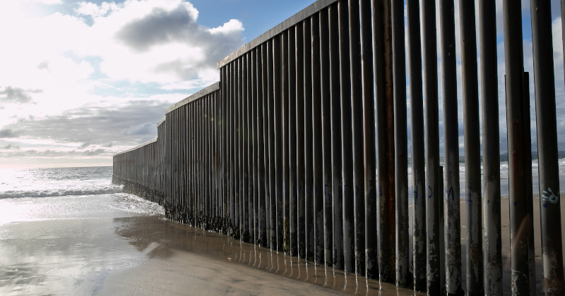 """Facebook Blocks Post on Dems' Support for Border Fence, Despite Citing a """"Fact-Check"""" Confirming It!"""