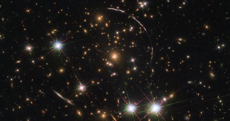 Hubble Captures Spectacular 'Sunburst Arc'