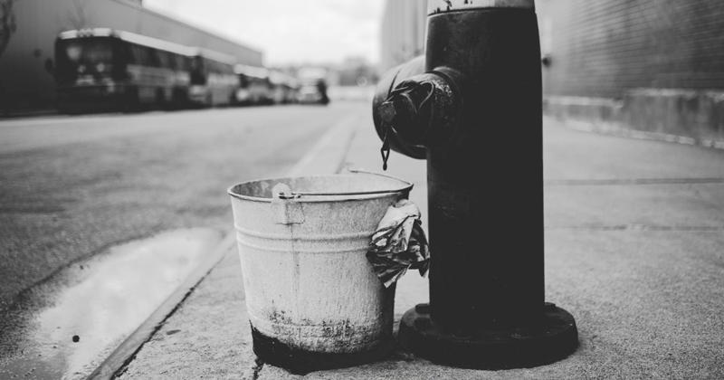 Homeless Man Sloshes Bucket of Diarrhea At Woman Near Hollywood Walk of Fame