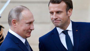 Putin, Macron Coordinate Anti-Terror Strategy Over Phone