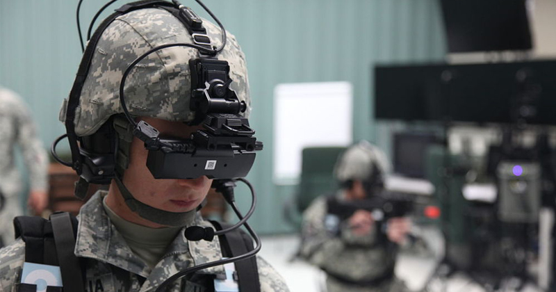"""Expert Says Military """"Not Ready"""" for Cyborg Super-Soldiers"""