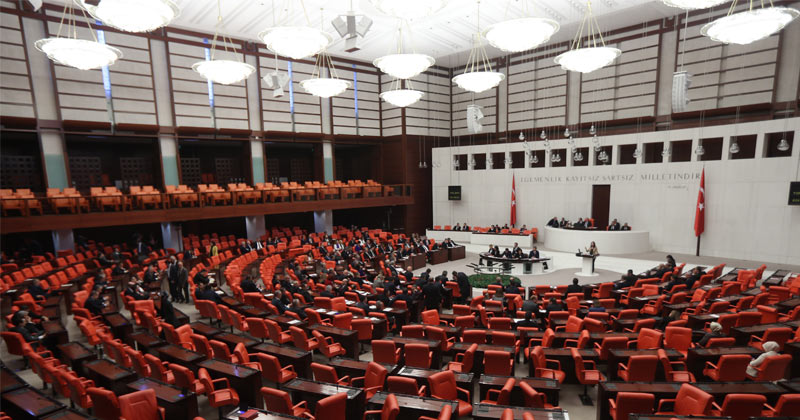 Turkish parliament backs govt plan to send troops to Libya in emergency session