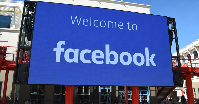 Facebook Hires Ex-CNN Journalist to Fact Check Your Memes