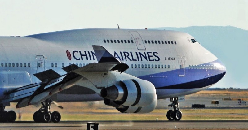 Senator Calls For Immediate Shut Down of All Flights From China to U.S.
