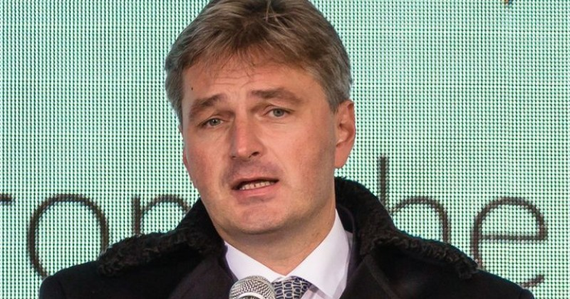 Conservative Party Caves to BuzzFeed, Forces MP to Apologize For Talking to Orbán & Salvini