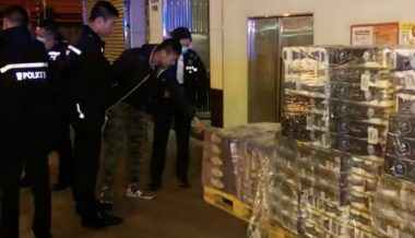 Armed Criminals Steal 600 Rolls of Toilet Paper in Hong Kong