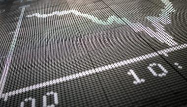 Economist Warns Against Long-Term US Government Bonds
