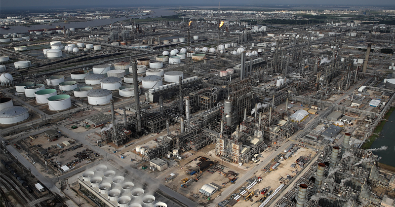 """Ten US Oil Refineries """"Grossly"""" Contributing to Higher Cancer Rates - Report"""