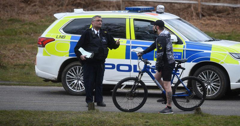 UK mood shifts after first week of lockdown as Brits blast 'overzealous' police