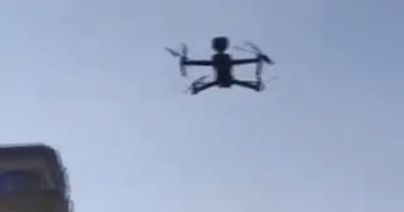 """""""Stay at Home"""": Police Drone Enforces Quarantine in Brussels"""
