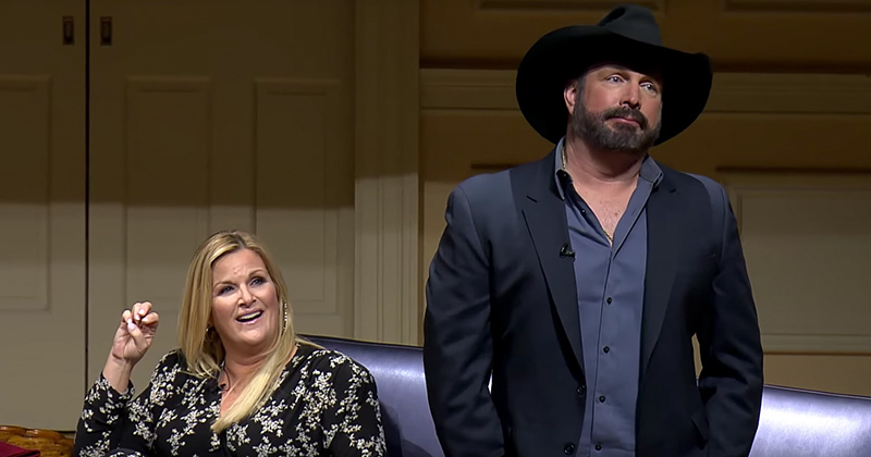 Video: Garth Brooks Slams Groupthink During Library of Congress Award Ceremony