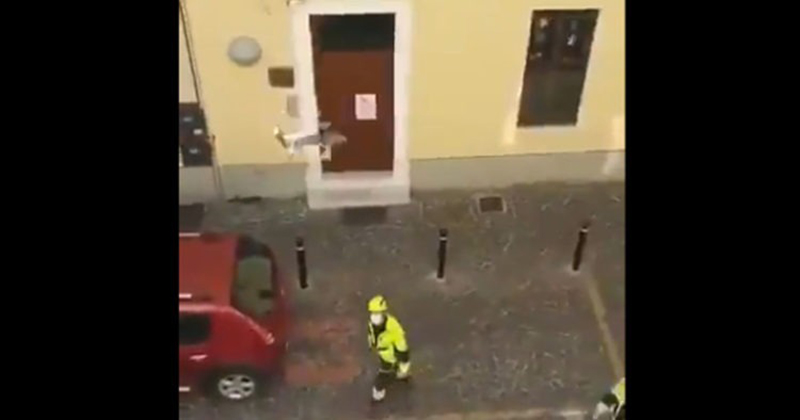VIDEO: Police with Drones Enforce Coronavirus Isolation in Italy