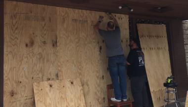Austin, Texas Bars Board Up Windows & Doors To Prevent Homeless Break-ins During COVID-19 Shutdowns