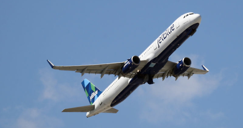 JetBlue Requires Travelers to Wear Masks While Flying