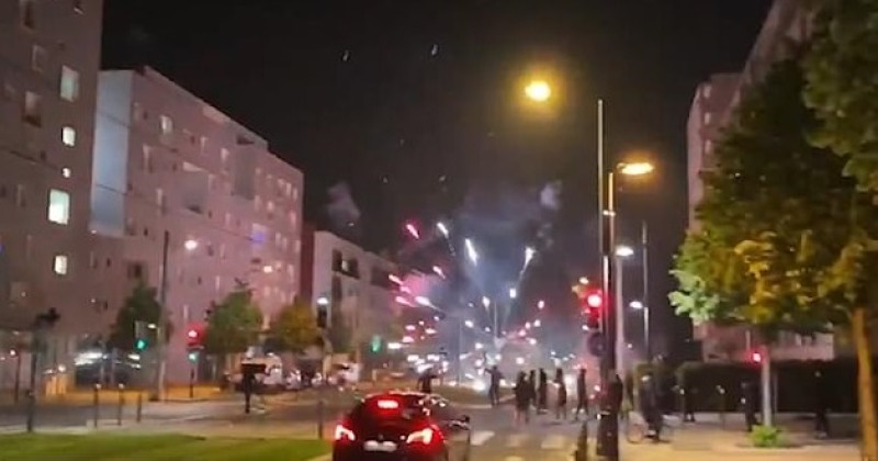 Migrant Areas of Paris Hit With 3rd Consecutive Night of Riots