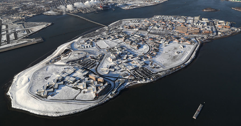 Rikers Island is offering inmates $6 an hour and face masks to dig mass graves as coronavirus deaths in New York City rise to 1,096